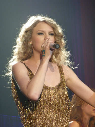 Speak Now World Tour: Paris, France [March 17th, 2011]