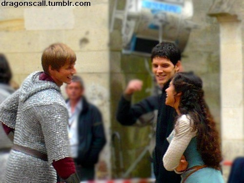 Angel – Jäger der Finsternis and Bradley laughing with each other off set <3