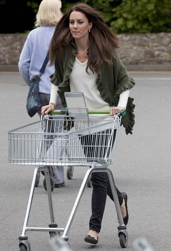 Duchess of Cambridge-Waitrose Shopping