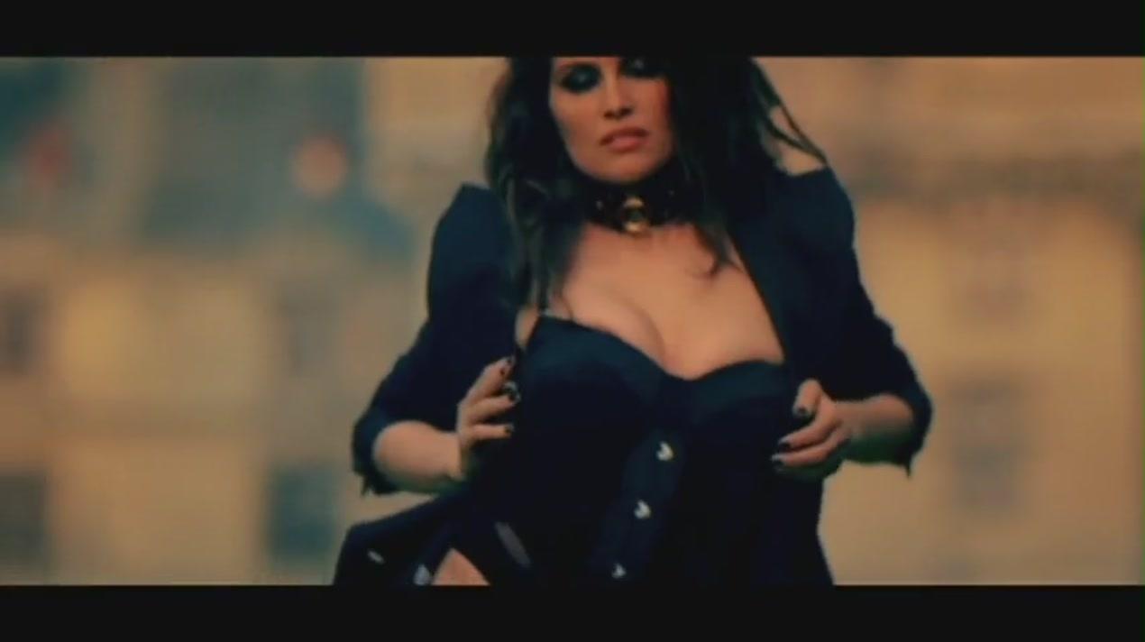 Te Amo [Music Video] - Rihanna Image (21928375) - Fanpop