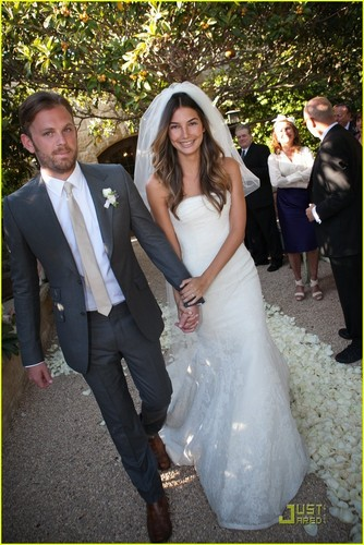 Caleb Followill and Lily Aldridge marry [May 12]
