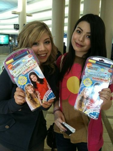 Jennette And Miranda At The Airport, On The Way To Memphis, Tennessee