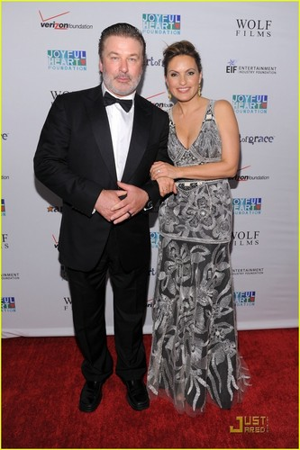 Mariska Hargitay: Joyful दिल Gala with Hilary Swank!