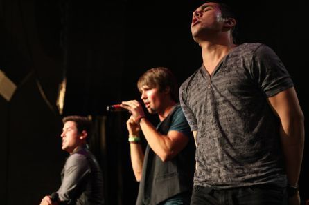 Big time rush at the kiss 108 concierto in Boston