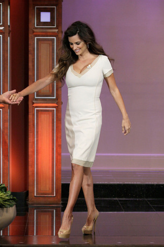 Penelope Cruz appears on جے Leno Show, May 3