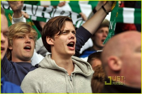 Alexander Skarsgard: Hammarby Game with Brother Bill!