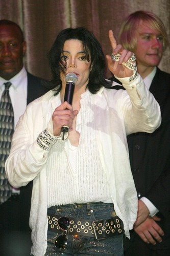 Celebration of 사랑 (Michael's 45th Birthday Party 2003)