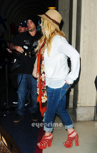 Jessica Simpson departs LAX, May 31