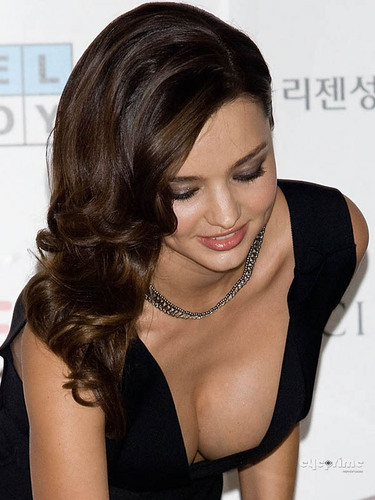 Miranda Kerr Holds Press Conference In Seoul, Jun 1