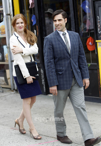"Isla Fisher & Jason Schwartzman on the Set of ""Bored to Death"" in Coney Island"
