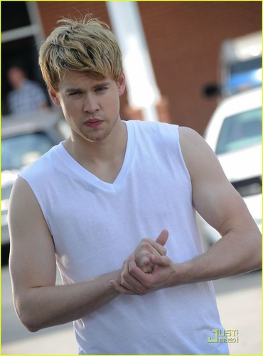 Chord Overstreet is Brad Pitt in 'Thelma & Louise' Spoof!