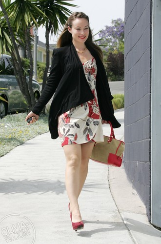 Heads out to an audition in Los Angeles, CA [June 9, 2011]