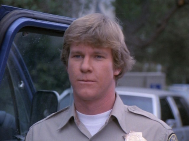 who replaced Larry Wilcox in chips