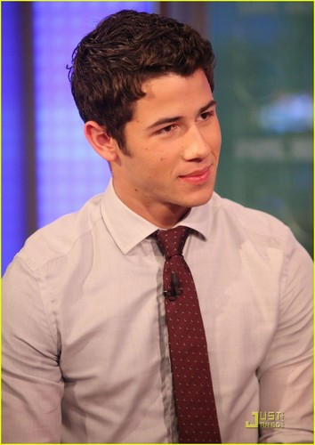 Nick Jonas Seeks Chewy Superstar