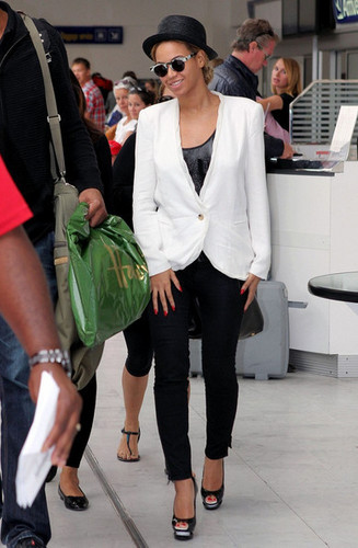 Beyonce arrive at the Nice Cote d'Azur Airport with her mother