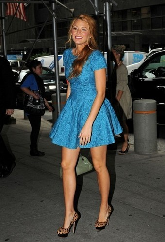 Blake Lively arrives at her Midtown hotel wearing a blue dress.