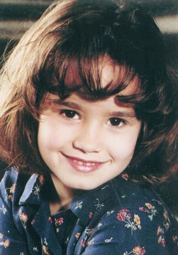 Demi as a child!!