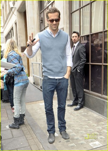 Ryan Reynolds: BBC Radio 1!