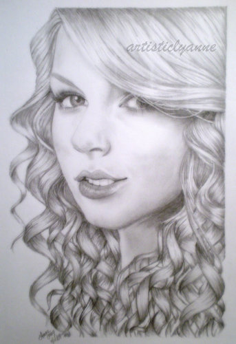 Taylor Swift :) GORGEOUS!