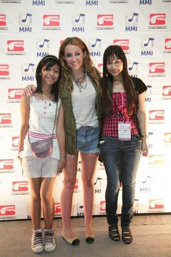 Miley Cyrus Manila Meet & Greet Pictures