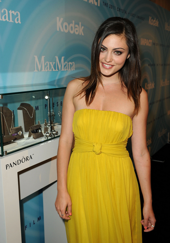 Phoebe Tonkin: Women In Film Crystal & Lucy Awards in Beverly Hills, Jun 16Phoebe Tonkin: Women In F