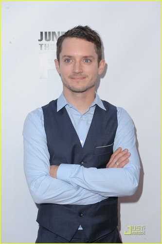 Elijah Wood: Jimmy Fallon Appearance & 'Wilfred' Premiere!