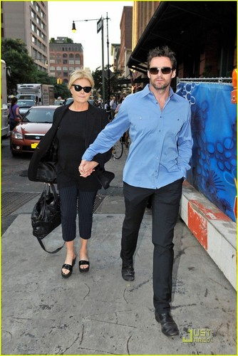 Hugh Jackman & Deborra-Lee Furness: Strolling Sweethearts