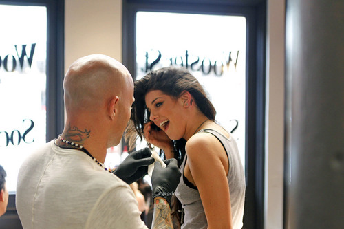Shenae Grimes gets a new Tattoo in New York, June 28