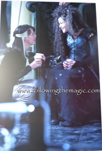 Cissy & Bella on set
