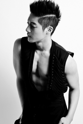 Kim Hyun Joong Break Down