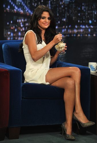 Late Night With Jimmy Fallon 23 06 2011