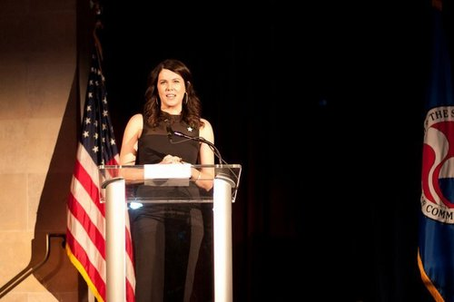 Lauren Graham hosting the Operation Smile Grin Gala