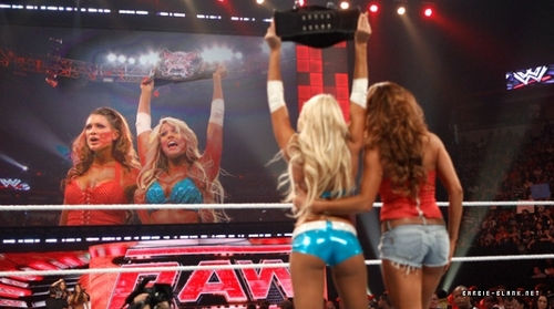kelly kelly divas champion and eve