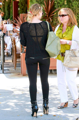 Hilary Duff seen out for lunch in Beverly Hills, June 29