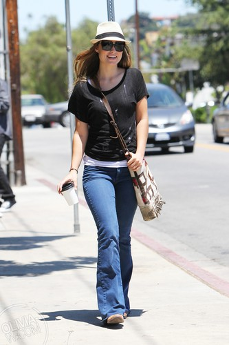 Heading to lunch in Los Angeles, CA [June 29, 2011]