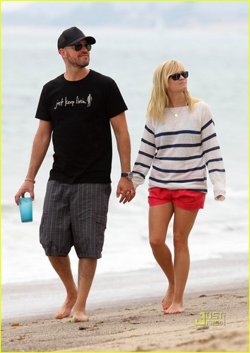 Reese Witherspoon & Jim Toth: pantai with Ava & Deacon
