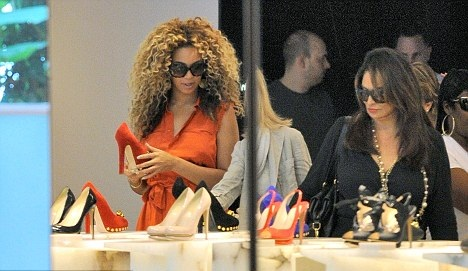 Beyonce - Out in London - July 11, 2011