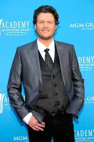 Blake Shelton - 45th Annual Academy Of Country موسیقی Awards - Arrivals