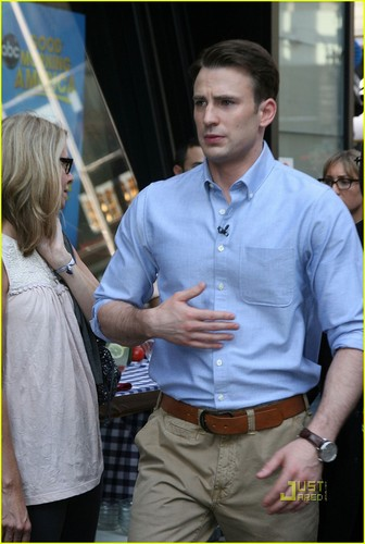 Chris Evans: Good Morning America!