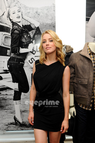 Amber Heard: GUESS & GUESS By Marciano Holiday Press Event