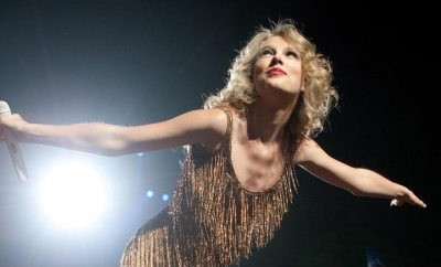 Speak Now World Tour > July 14, Montreal, Quebec