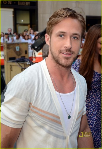 Ryan 小鹅, gosling, 高斯林 Wet His Pants