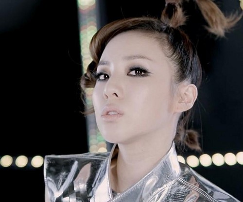 2NE1 I AM THE BEST JAPANESE VERSION द्वारा CLDE2NE1 AND PARKBOOMDE2NE1
