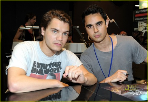 Emile Hirsch & Max Minghella: 'Darkest Hour' at Comic-Con!