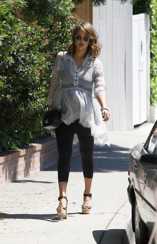 Jessica Alba shows up at a Friends Party in Hollywood, Jul 24