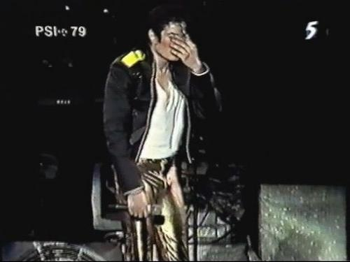 Oh... Michael あなた turn me on so much!!!