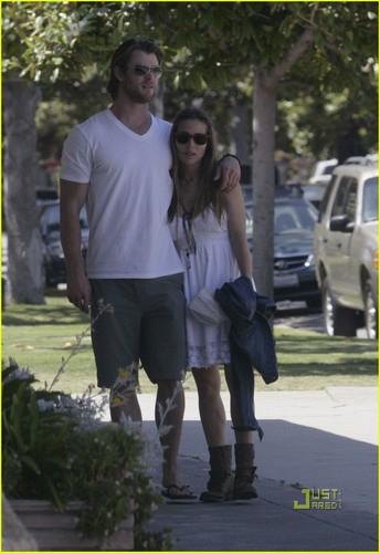 Chris Hemsworth & Elsa Pataky Stroll in L.A.