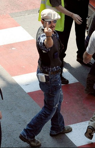 Johnny Depp...the real feelings for paparazzi!!!LOL!!!