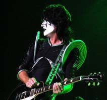 Tommy Thayer *-* ♥