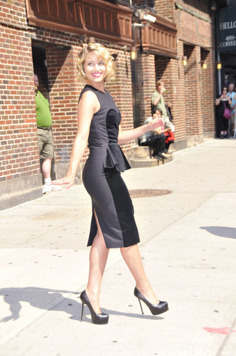 Dianna @ Late 显示 With David Letterman 08/01/2011
